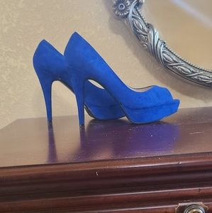 Guess blue open toe pumps